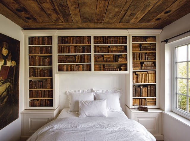 Bedroom Bookshelves 640 x 477