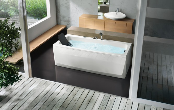 rectangular bathtub with head rest