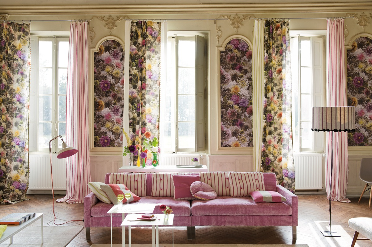 Spring decoration for Pink living room wallpaper