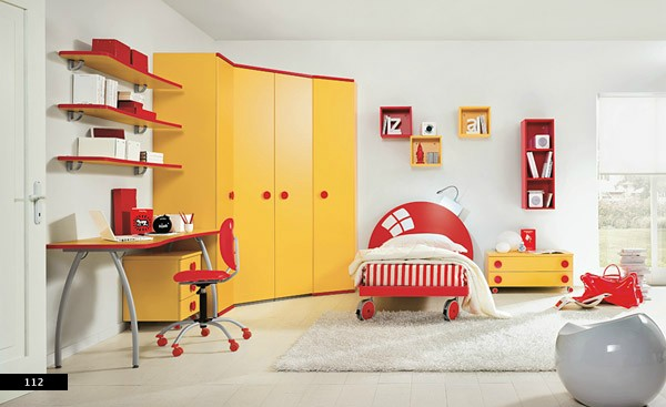 primary colors in kids rooms