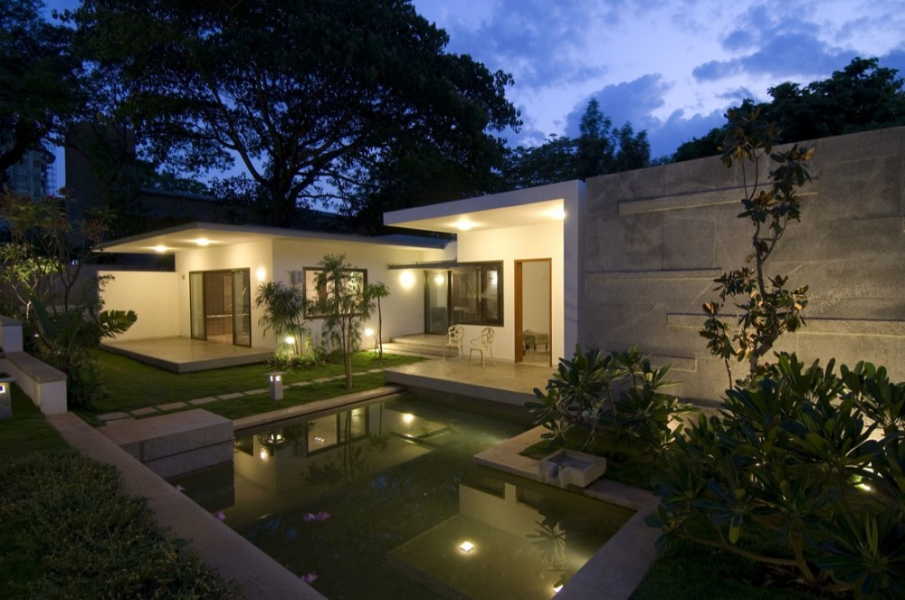 Vastu house for Exterior home lighting design