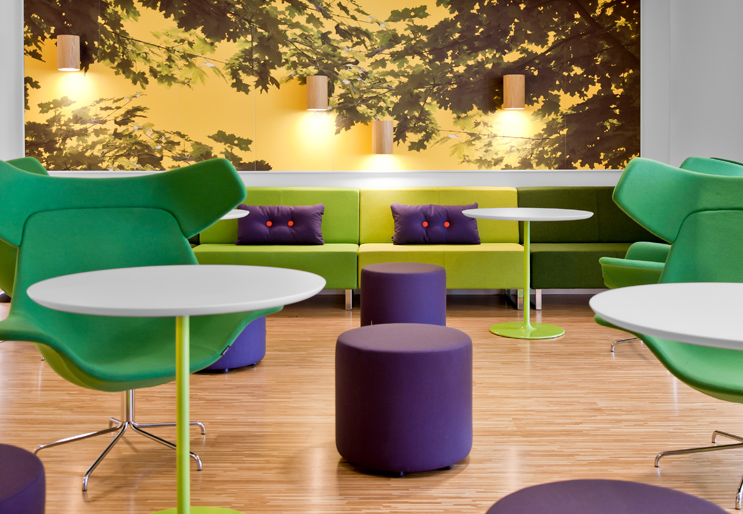 vibrant Skype offices lounge | Interior Design Ideas.
