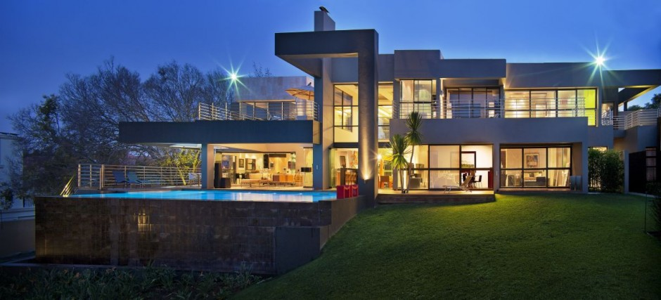 Beautiful architecture house with pool in johannesburg for Luxury home architects