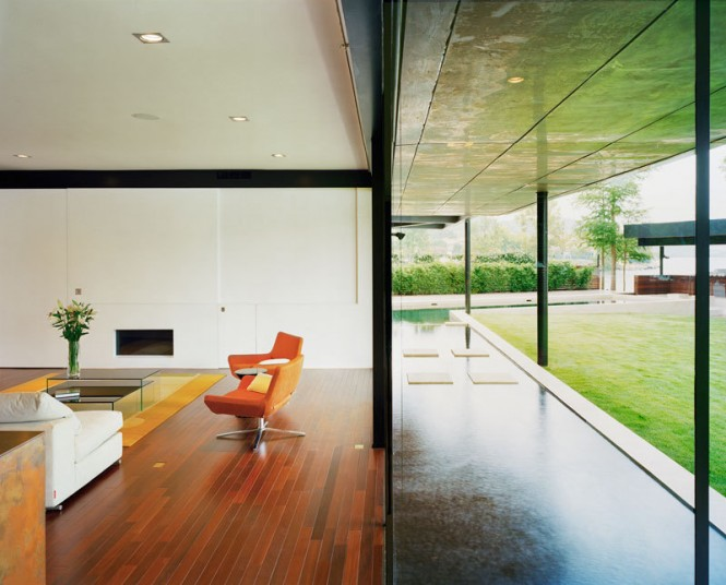Color, reflection (from both the materials and the surrounding pool), and geometry was incorporated into the design as much as possible, in order to bring natural light deep into the house.