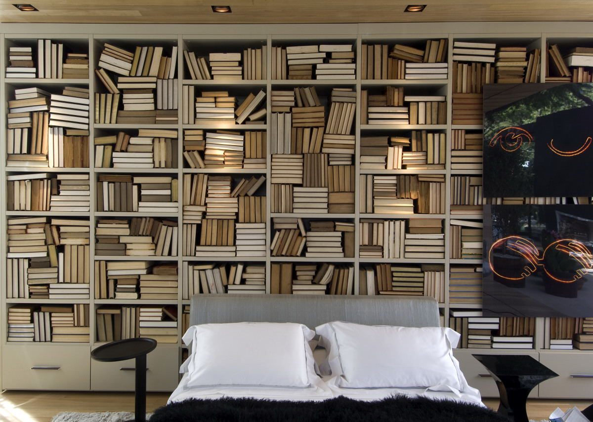 Bedroom with lots of bookshelves interior design ideas for Bedroom bookshelves