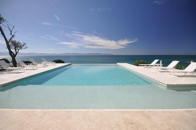 casachina blanca pool sea view