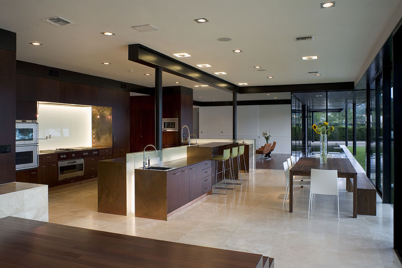 A peninsula house on lake austin texas Modern houses interior kitchen