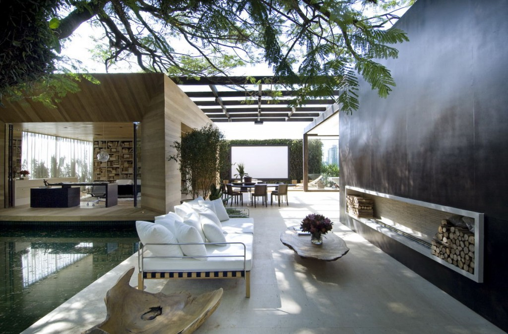 Blur The Boundaries With Inside Outside Living Style