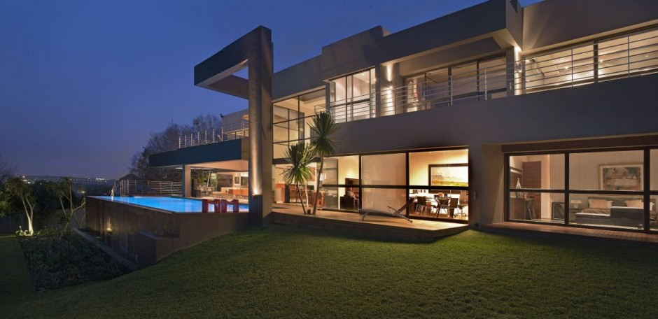 Beautiful architecture house with pool in johannesburg for Famous home designs