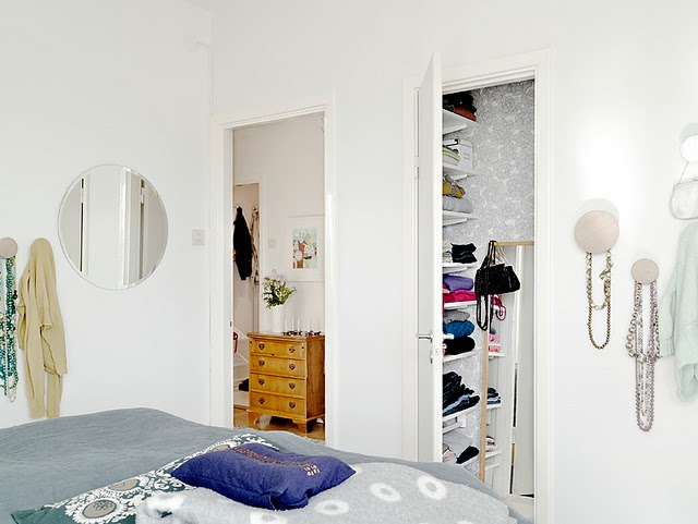 deco bedroom and closet