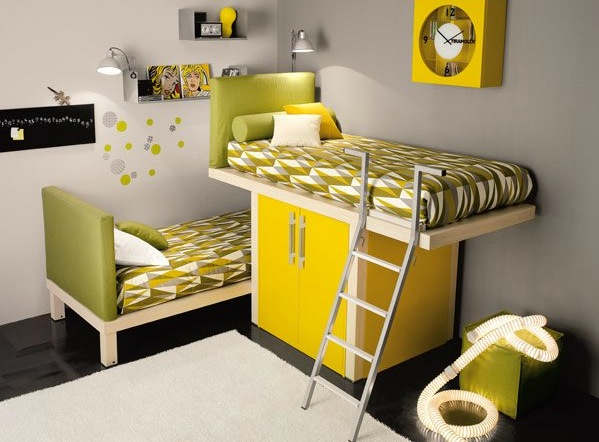 shared kids room in green and yellow