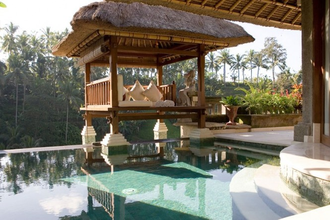 Bali Viceroy Patio and Pool