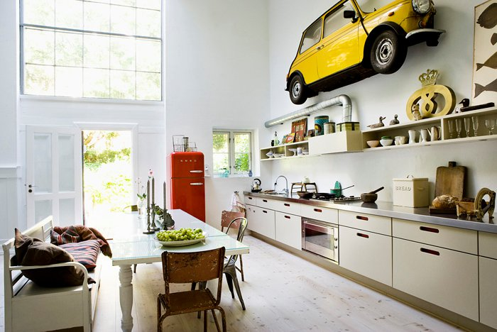 Car yellow in home decoration in kitchen interior design for Home decoration pics
