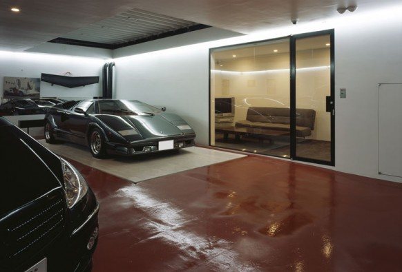 Cars parked inside homes pretty or pretty weird for Interior design house garage sale