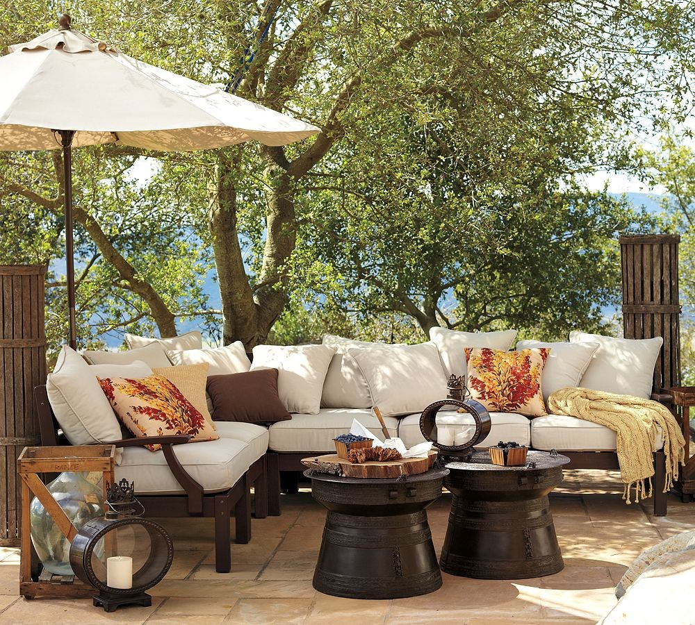 Outdoor garden furniture by pottery barn for Patio decorating photos