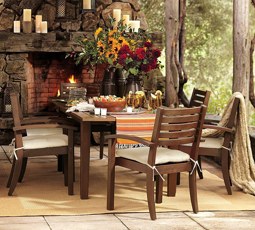 Outdoor garden furniture by pottery barn for Outdoor dining room sets