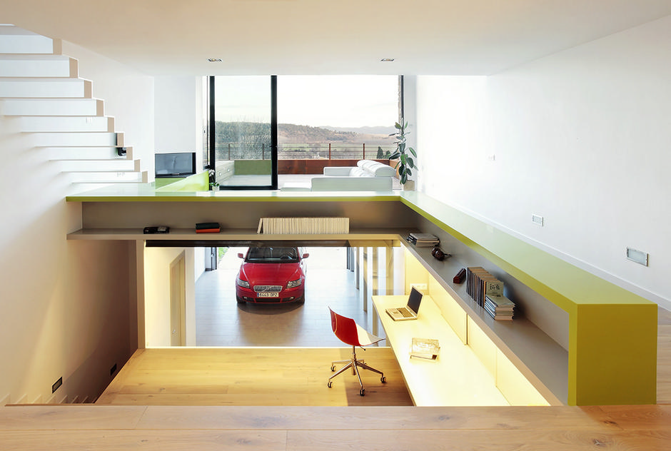 Cars parked inside homes pretty or pretty weird for Pretty houses inside