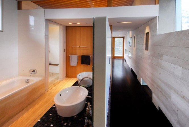 swanwick hallway and bathroom