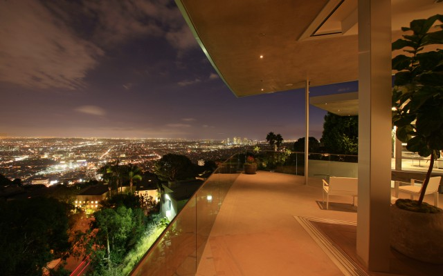 House with spectacular downtown city views for Terrace night