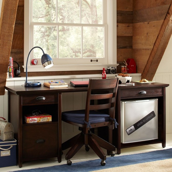 boys study space attic