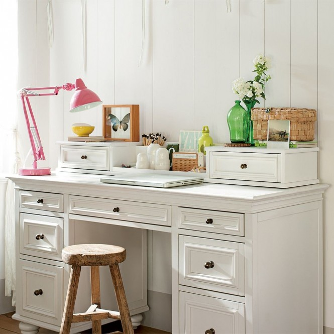 girls study space white desk and stool