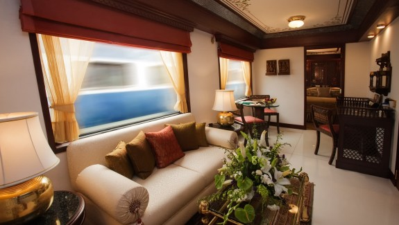 Maharajas' Express: A Luxury Train in India