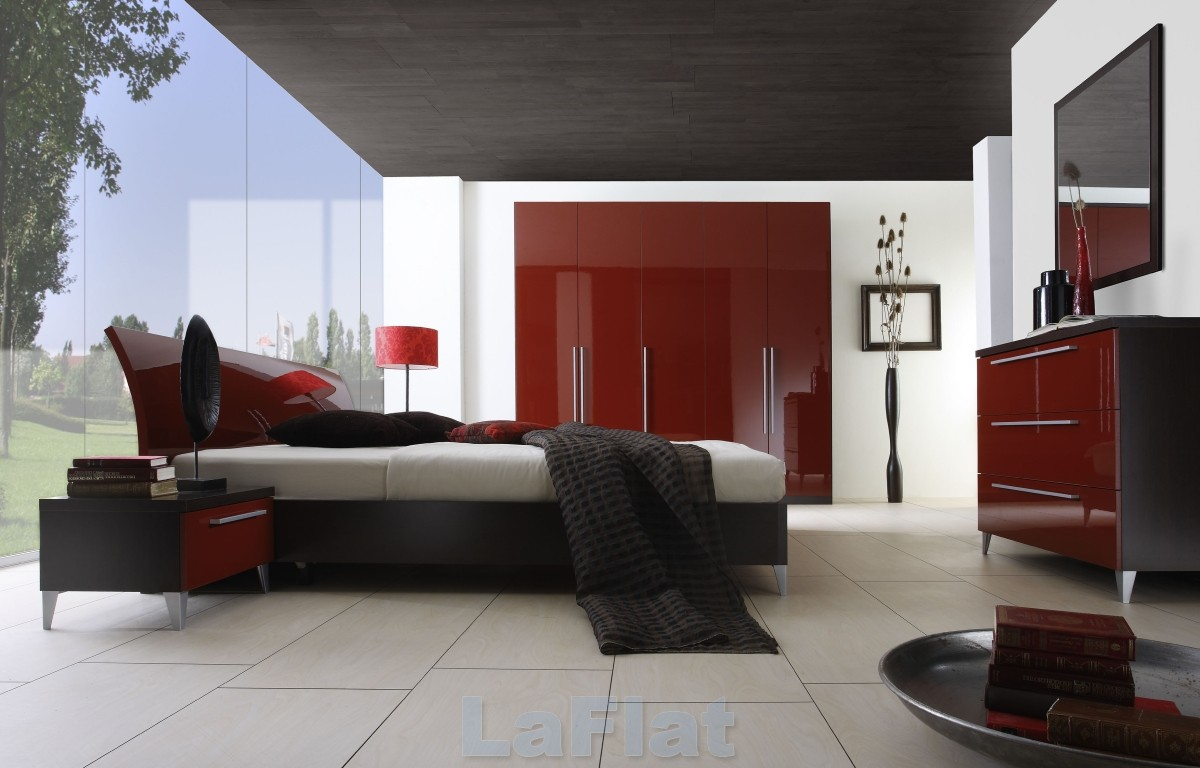 Red bedrooms for Bedroom designs red and black