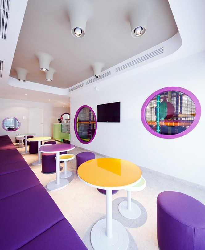 colorful-cafe