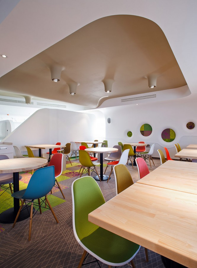 colorful-dining-space
