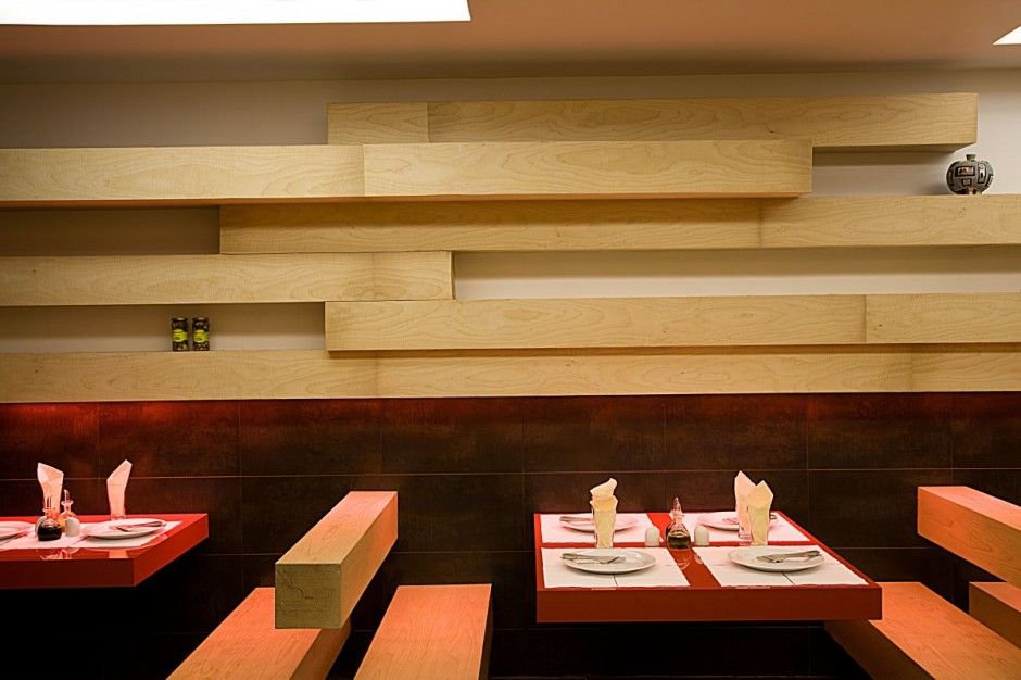 Fancy restaurant interior design in tehran for Interior cafe designs