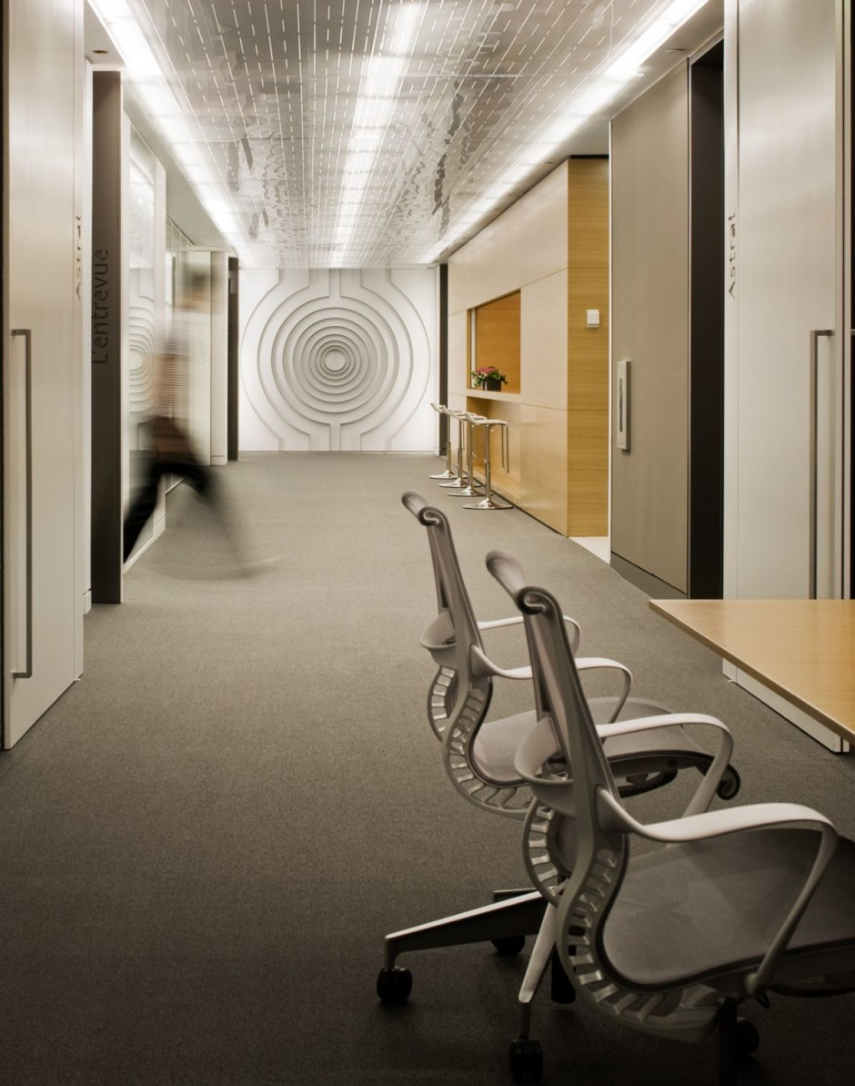Beautiful office interiors of a canadian media company for Wallpaper design for office wall