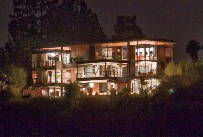 Ashton Kutcher Hollywood home