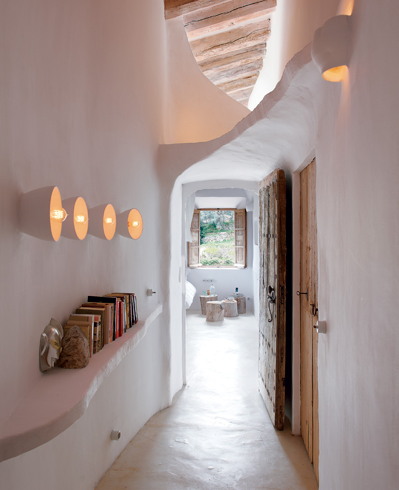 Cave home hallway interior design ideas for French couture houses