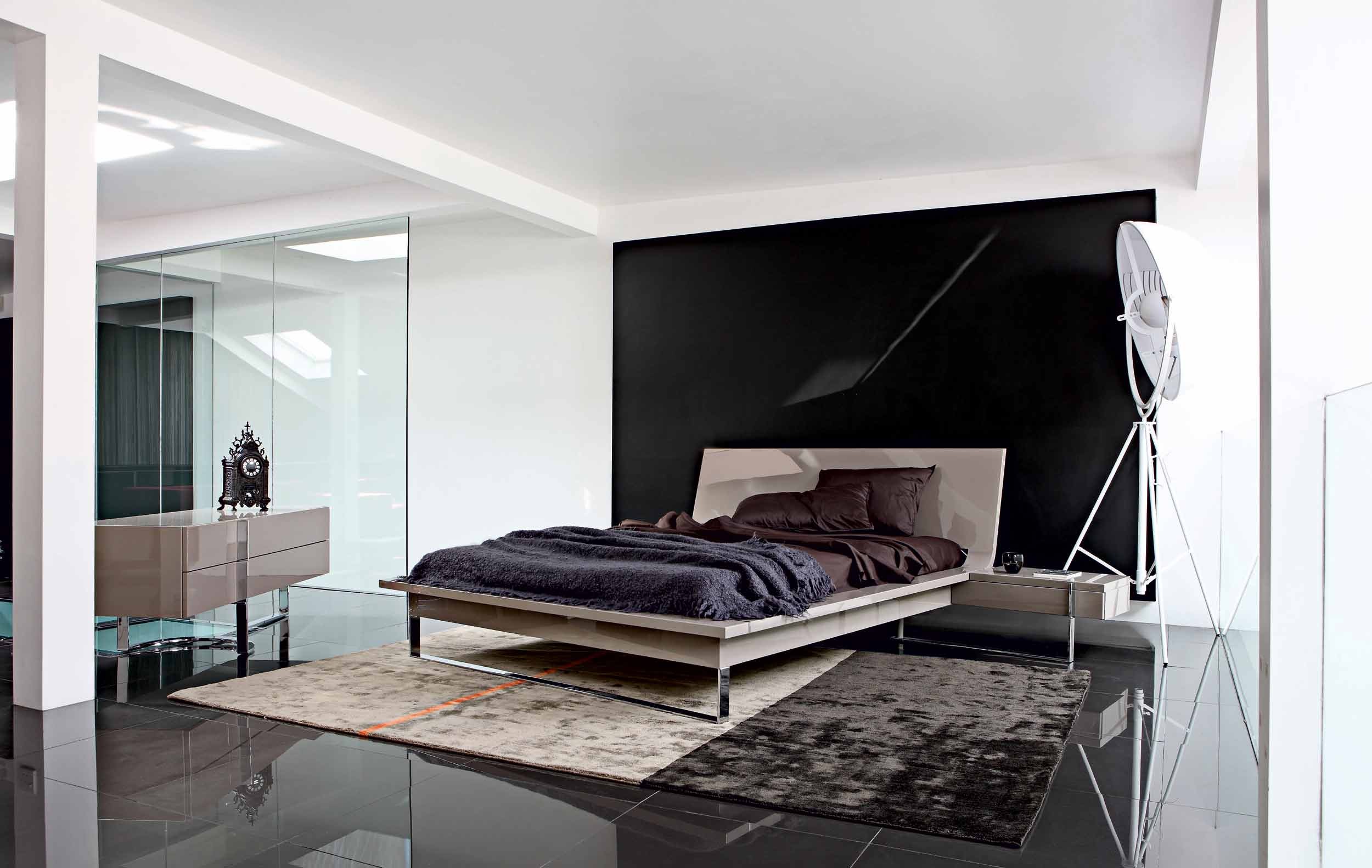 Bedrooms from roche bobois for Minimalist bedding design
