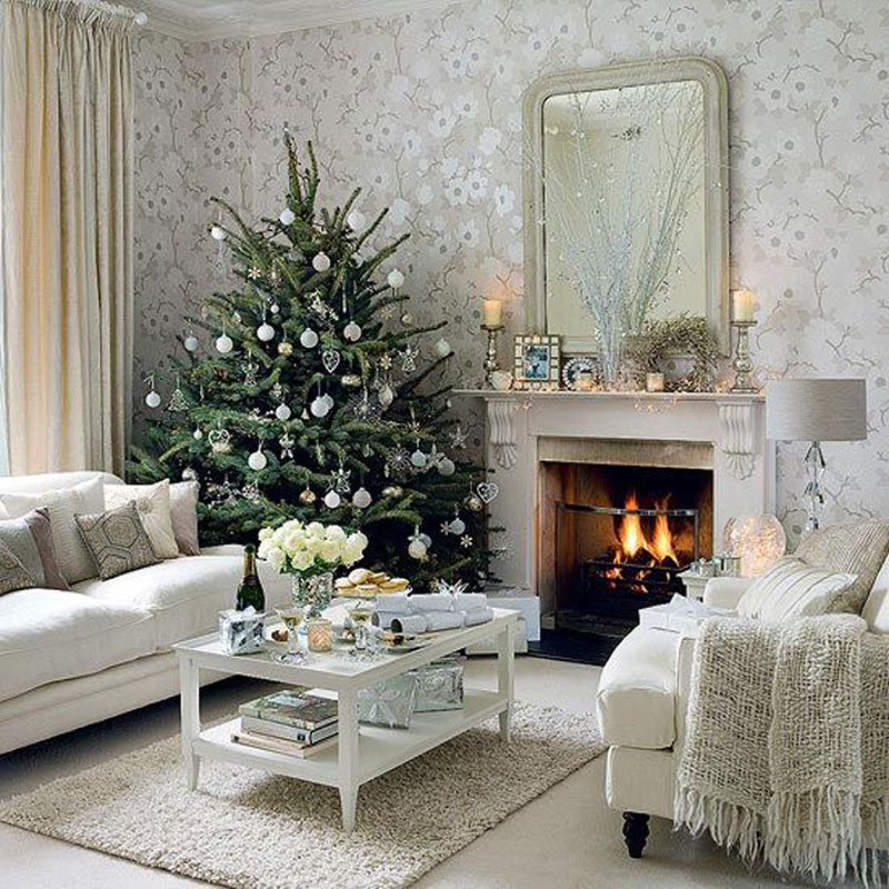 Holiday Home Design Ideas: White Christmas Lounge