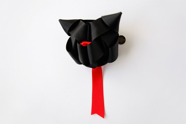 cat shaped ribbon decoration