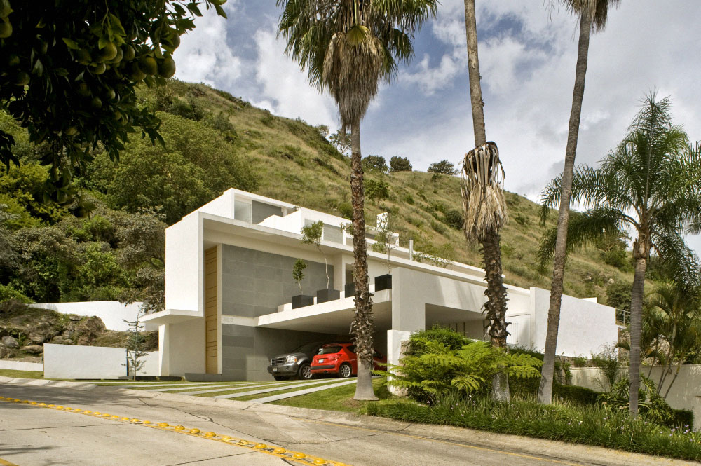 Multi level mountain house in mexico for House mountain