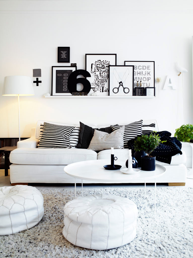 10 black and white living room shelving interior design for Living room ideas white