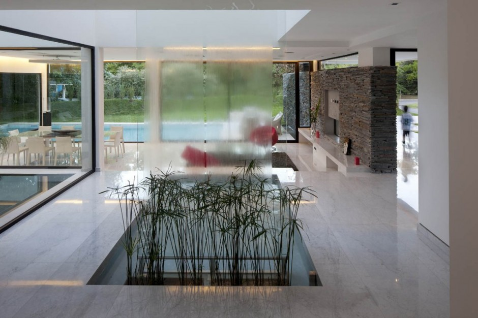 fantastic house indoor design.  Carrara House by Andres Remy Arquitectos