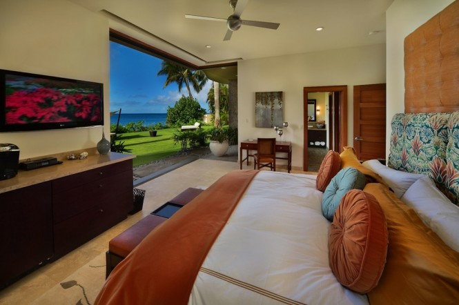 Maui  orange blue bedroom