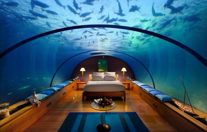 2 underwater bedroom