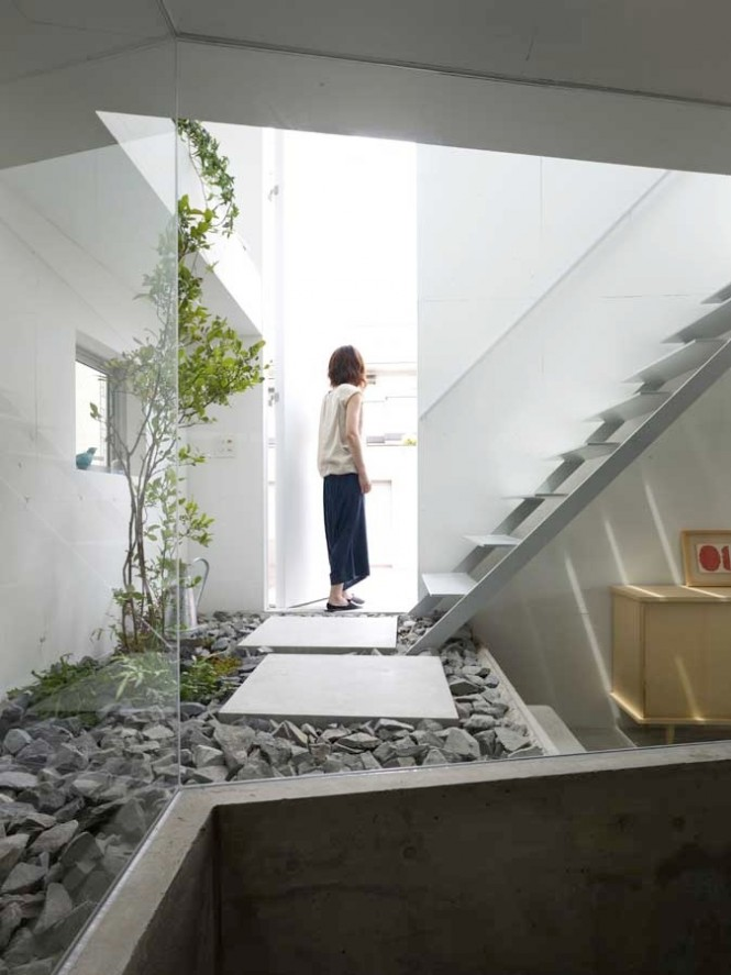 5 Interior Courtyard steps