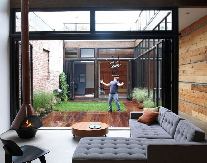 Courtyards interior design ideas home interior design for Interior courtyard design ideas