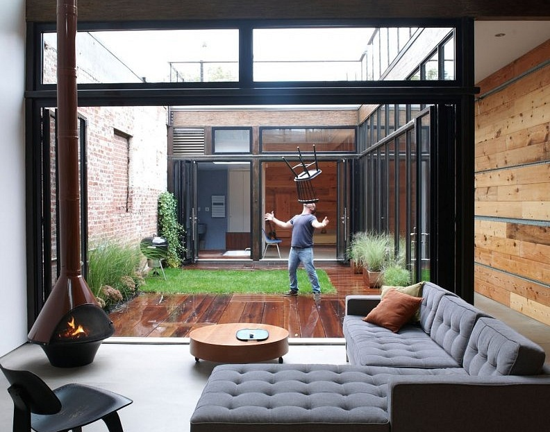 Courtyards for House designs with courtyard in the middle