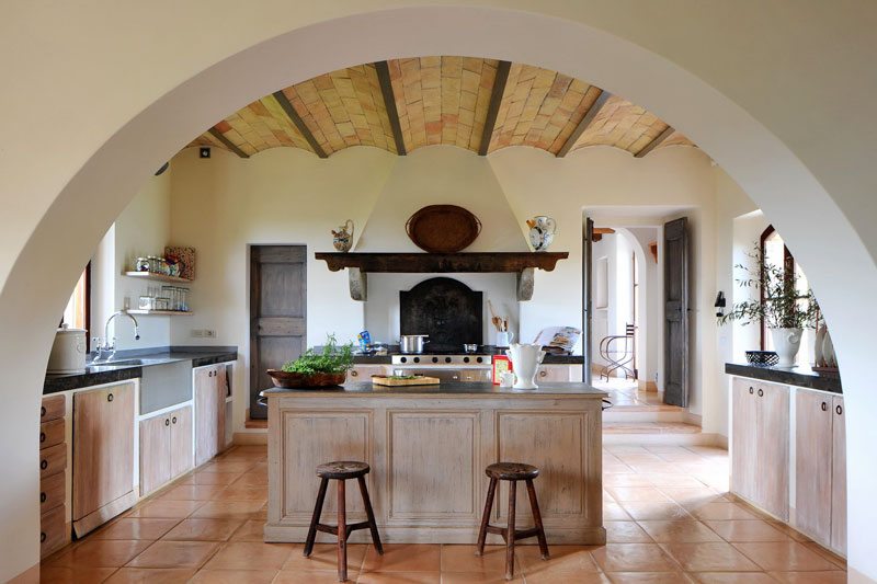 Col delle noci italian villa rustic kitchen interior for Italian villa interior design ideas