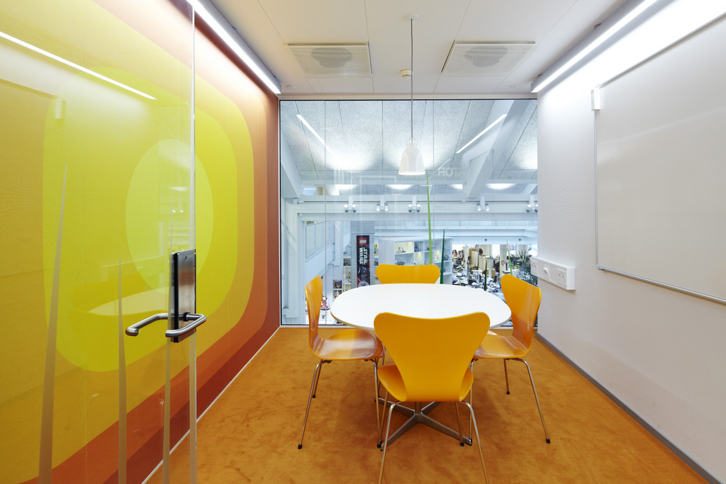 Yellow meeting booth | Interior Design Ideas.