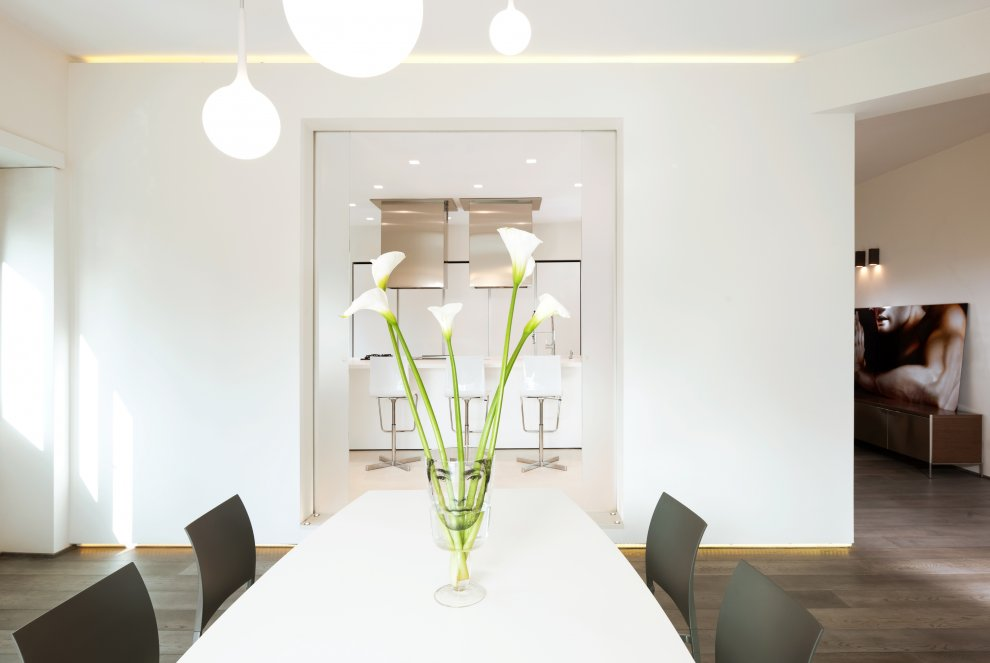 white minimalist dining room interior design ideas