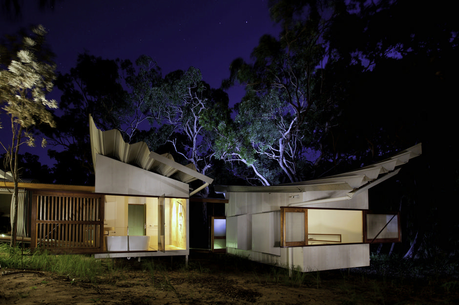Unusual holiday home for creative campers for Australian architecture