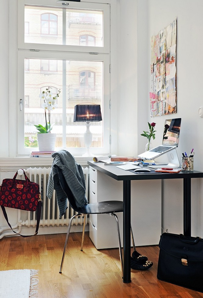 Via Alvhem MakleriIdeas boards or inspirational artwork in bright motivational colors adds character and purpose to rooms like these, mount busy pieces against a soothing neutral backdrop to promote calm and clarity in your creative zone.