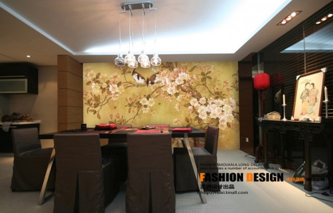 Nature imagery provides a perfect backdrop in any room of the house; appearing almost as a window to the outdoors when hung behind a dining set, and acting as a softening element when placed behind banks of entertainment equipment and newfangled TV units, in a modern living room.